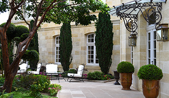 nettoyage-entretien-patio-terrasse-hotel